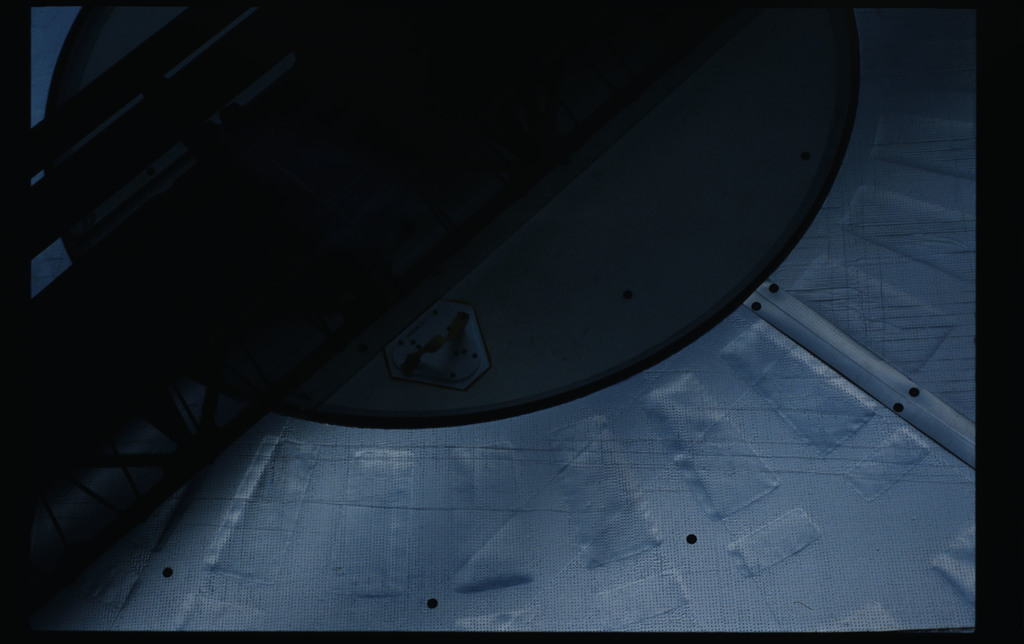 51I-11-034 - STS-51I - Fisher and van Hoften EVA in payload bay