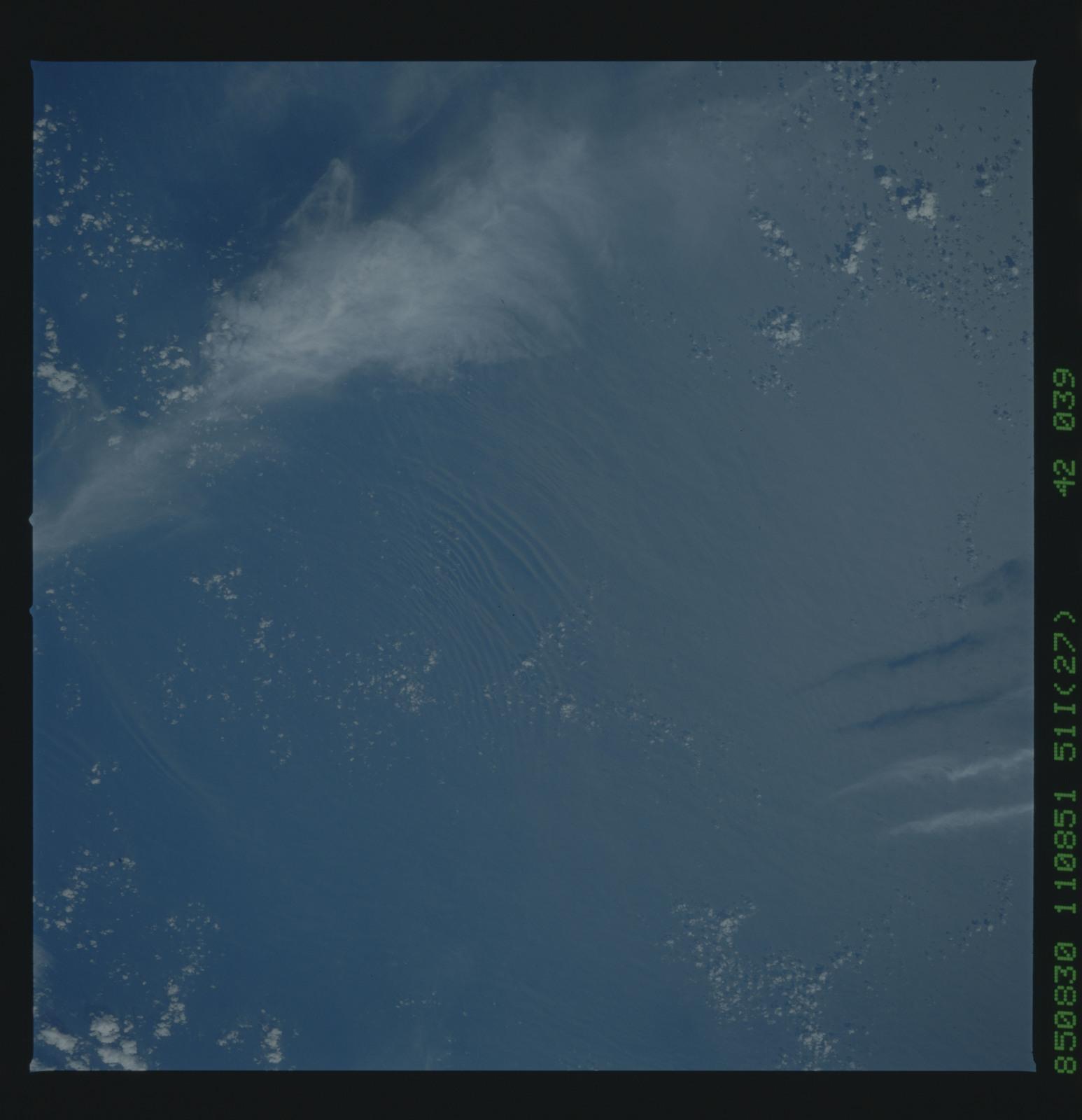 51I-42-039 - STS-51I - STS-51I earth observations