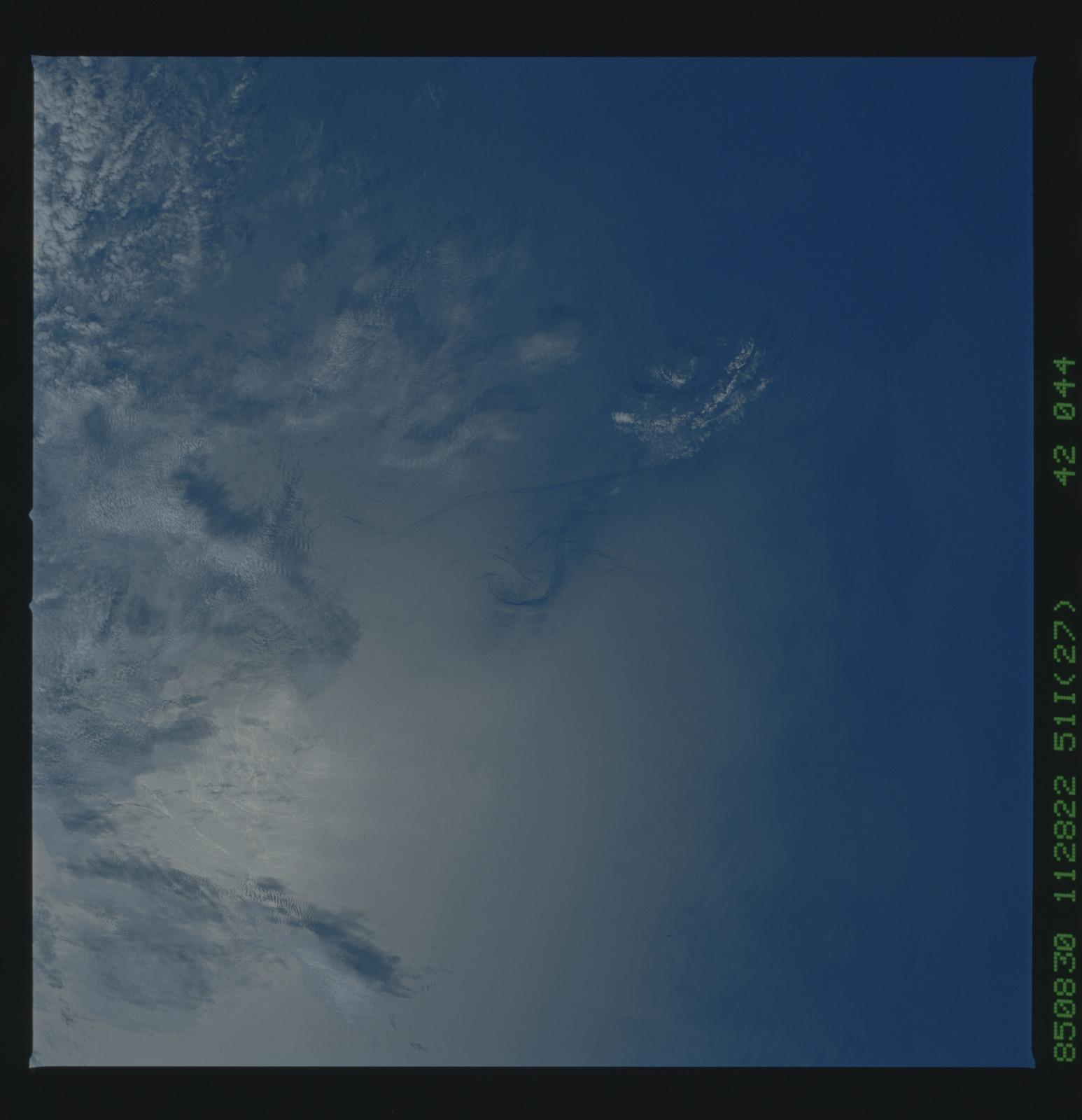 51I-42-044 - STS-51I - STS-51I earth observations