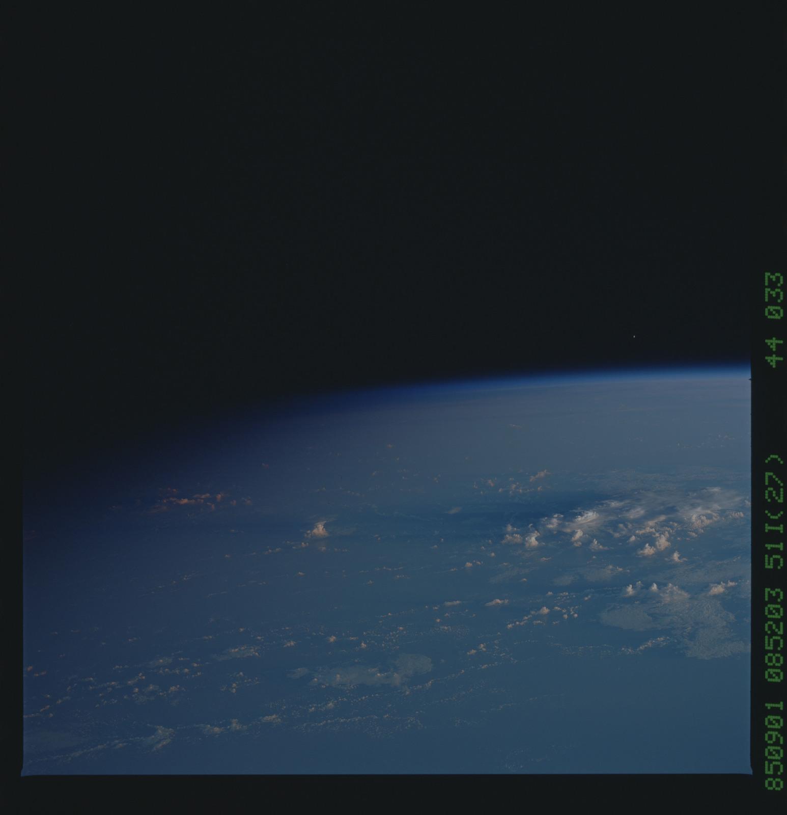 51I-44-033 - STS-51I - STS-51I earth observations