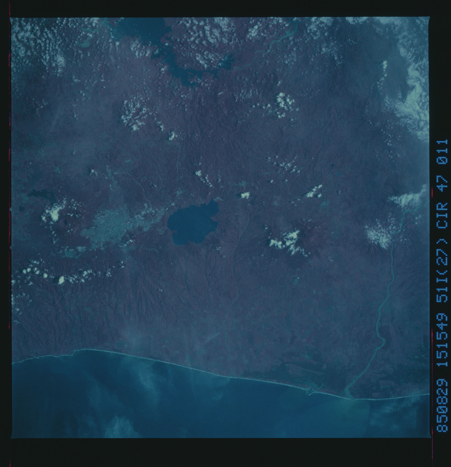 51I-47-011 - STS-51I - STS-51I earth observations