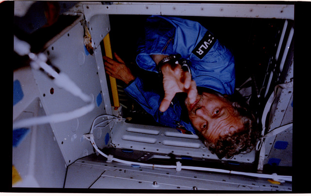 61A-125-003 - STS-61A - PS Reinhard Furrer in Spacelab-D
