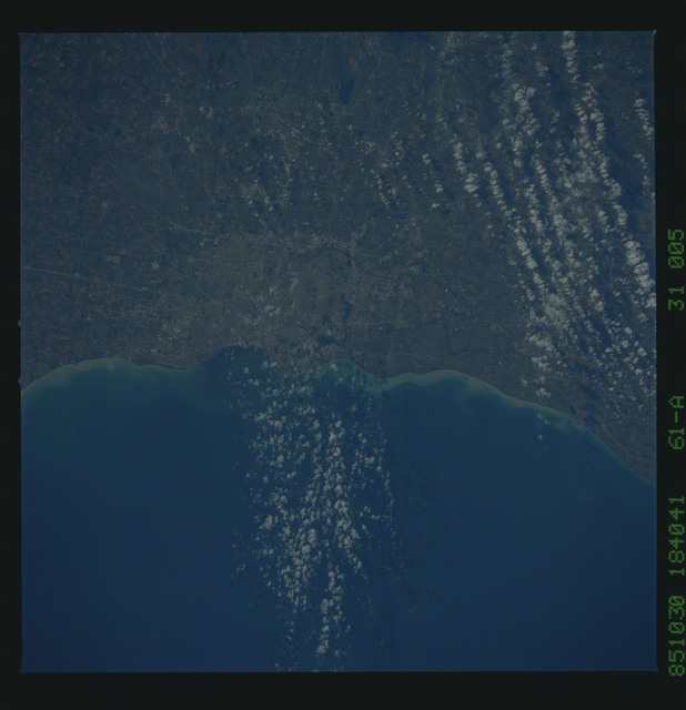 61A-31-005 - STS-61A - STS-61A earth observations