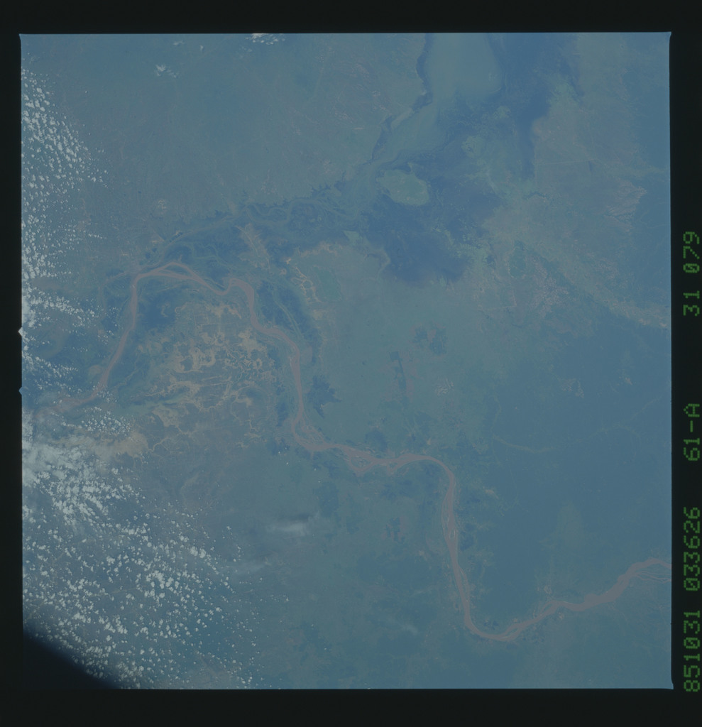 61A-31-079 - STS-61A - STS-61A earth observations