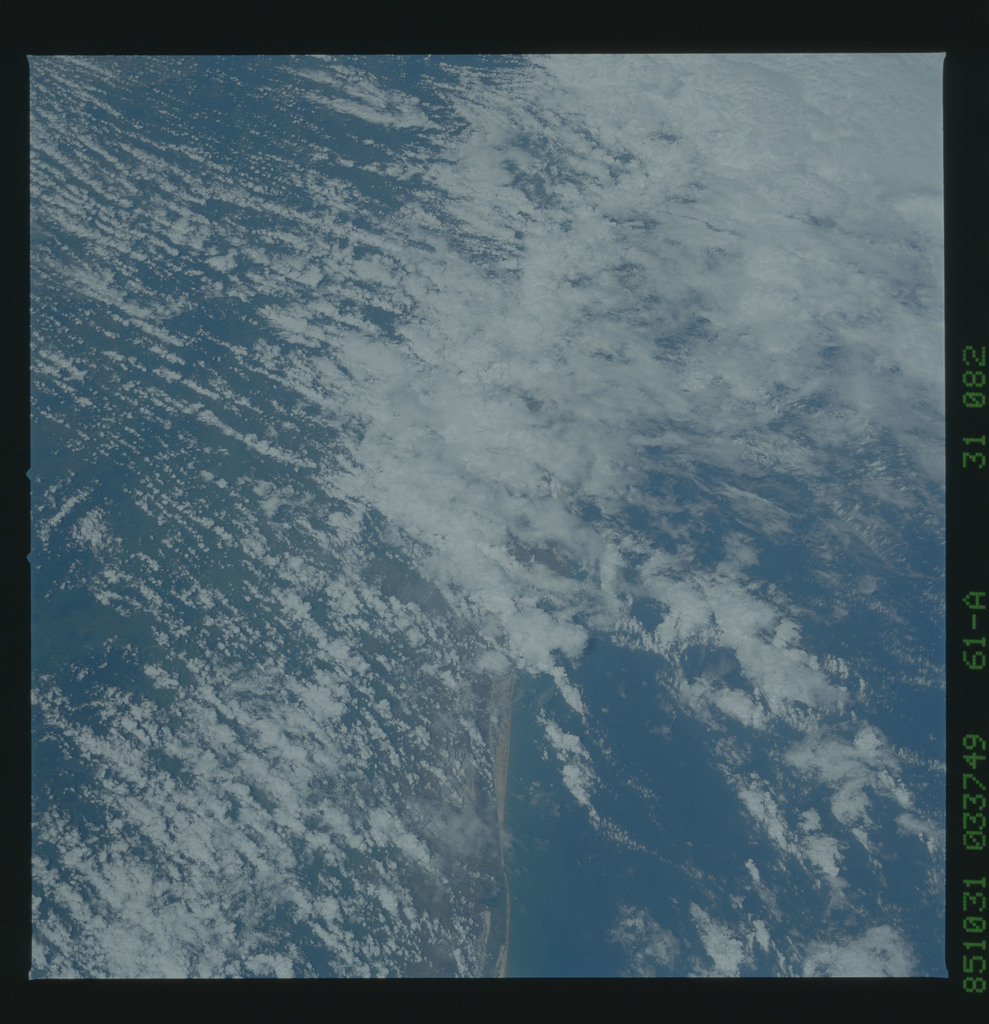 61A-31-082 - STS-61A - STS-61A earth observations