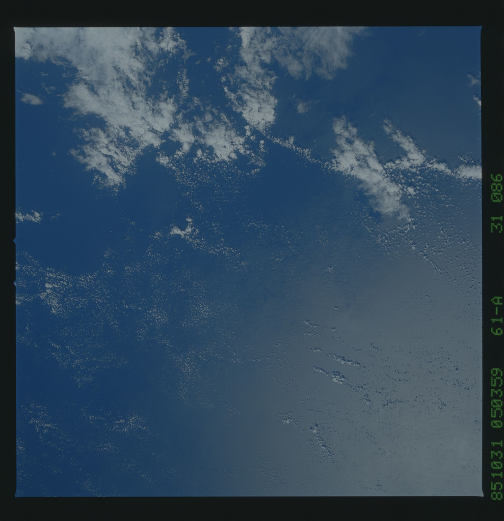 61A-31-086 - STS-61A - STS-61A earth observations