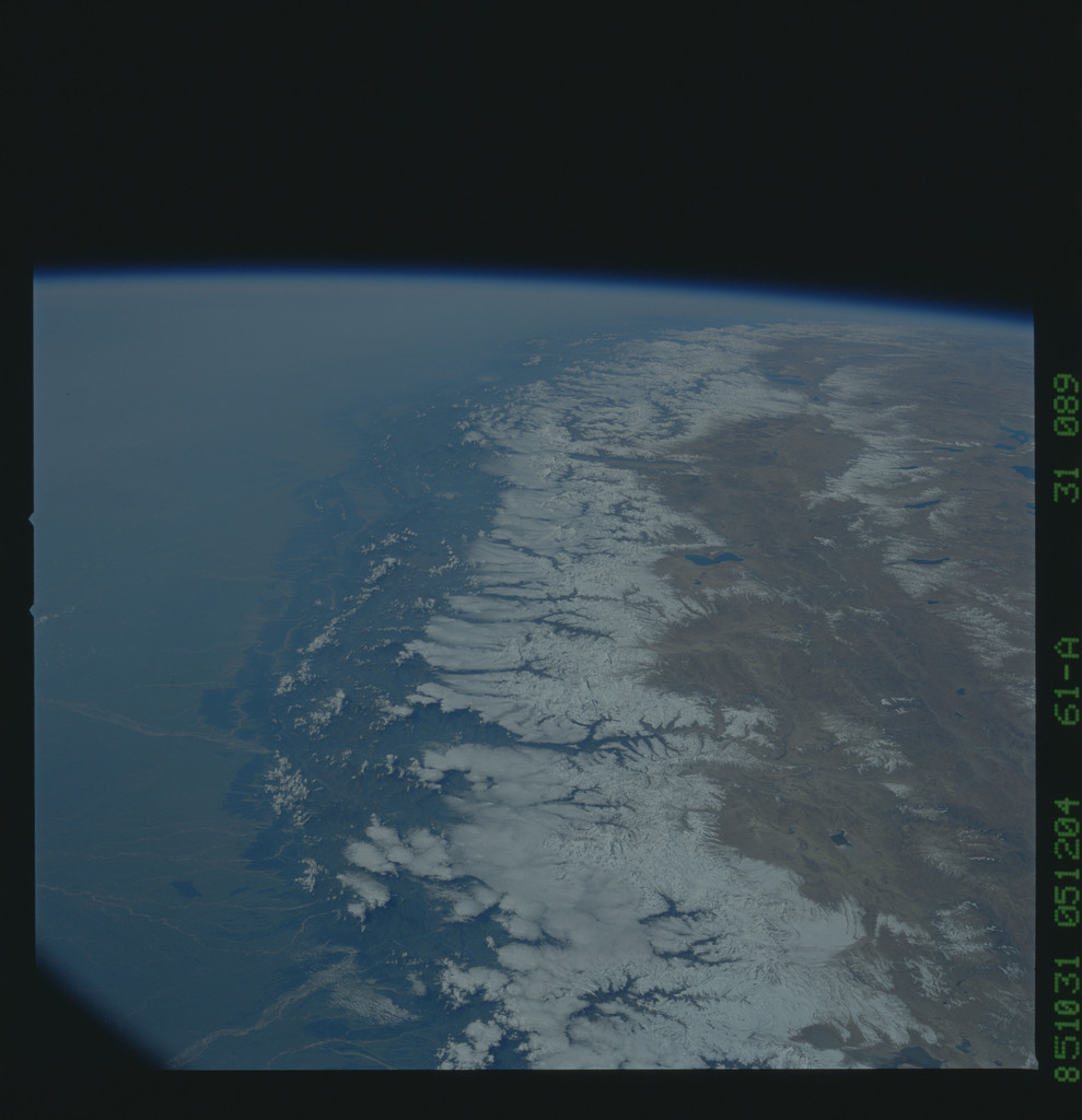 61A-31-089 - STS-61A - STS-61A earth observations