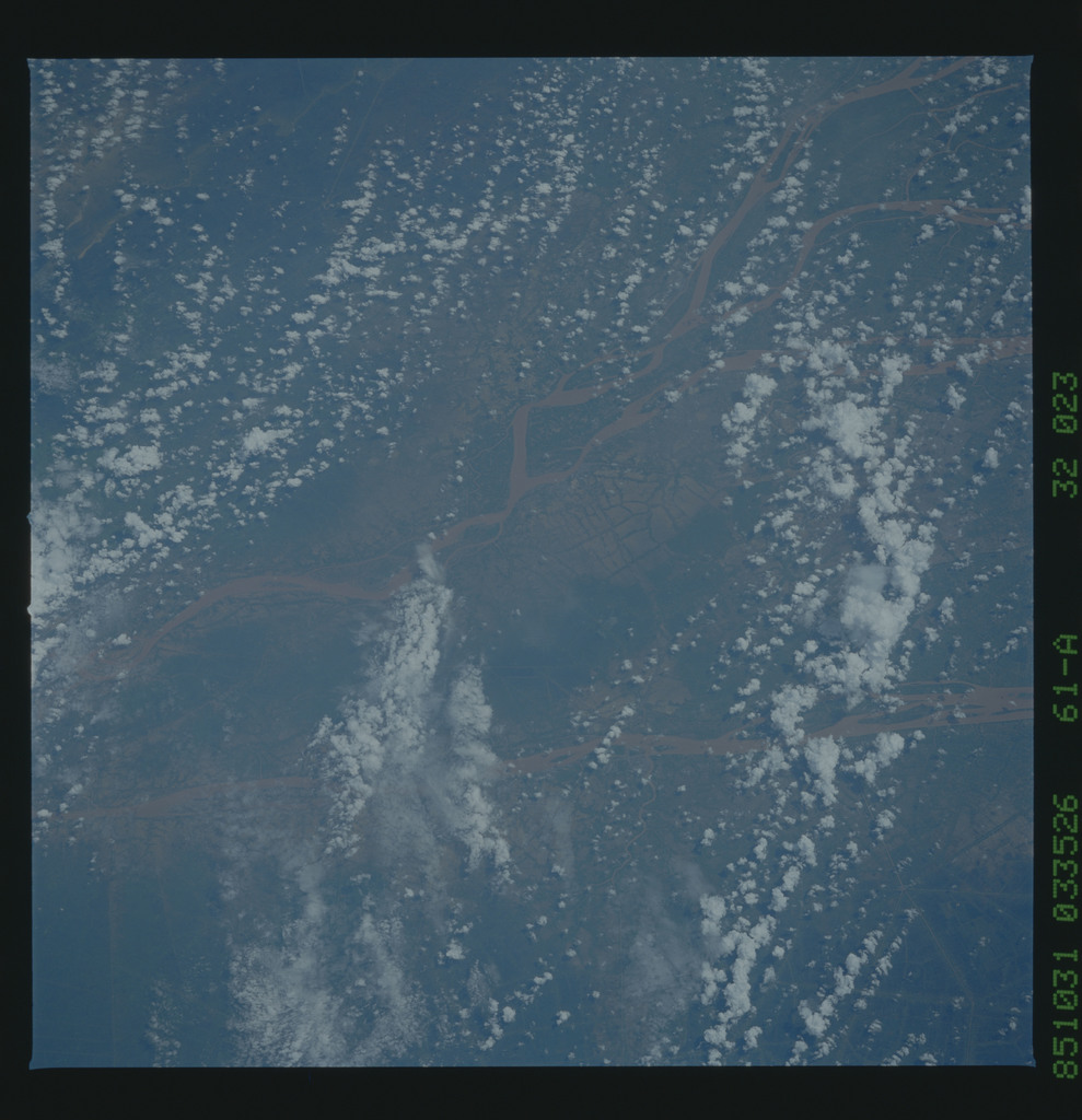61A-32-023 - STS-61A - STS-61A earth observations