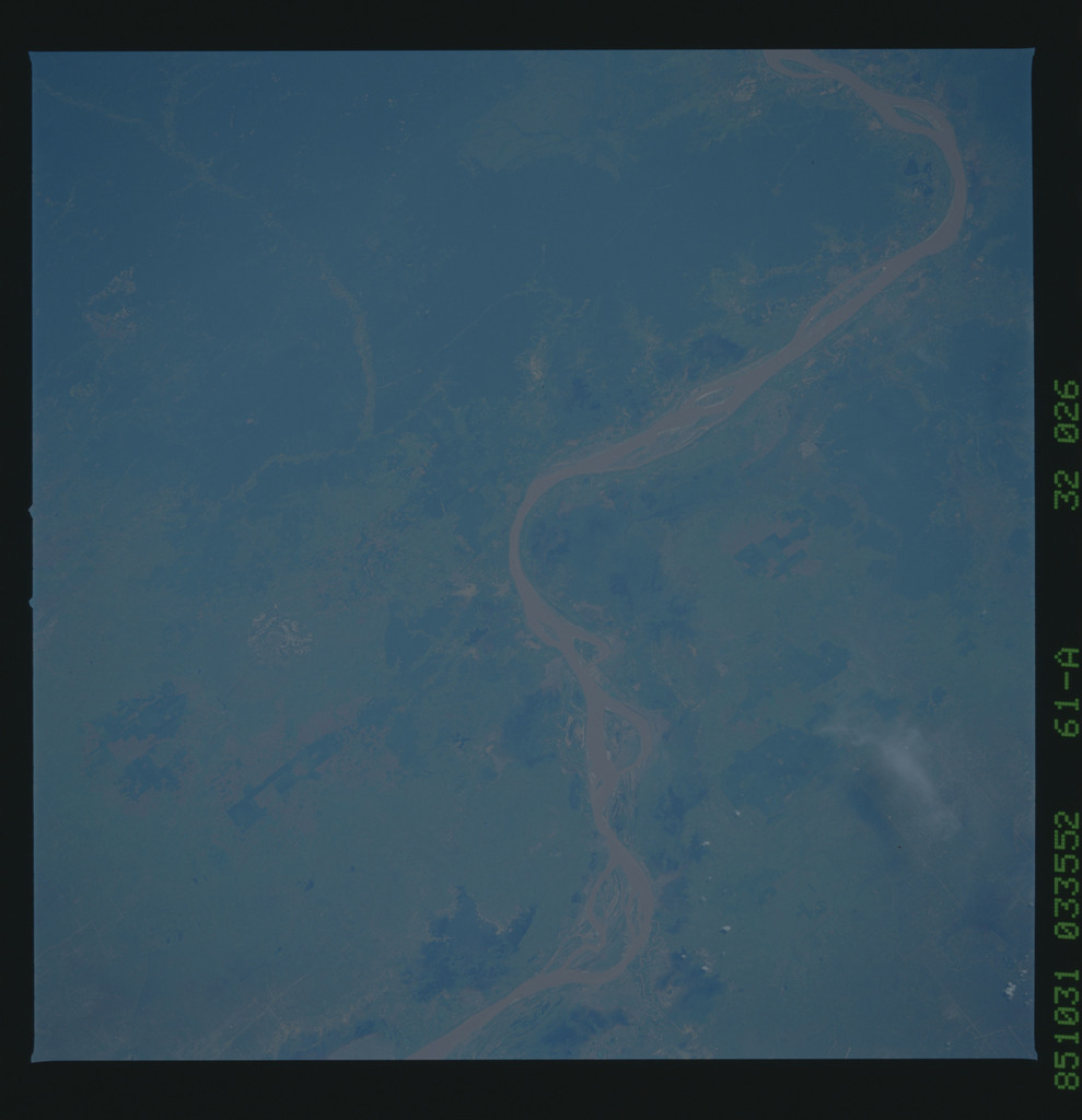 61A-32-026 - STS-61A - STS-61A earth observations