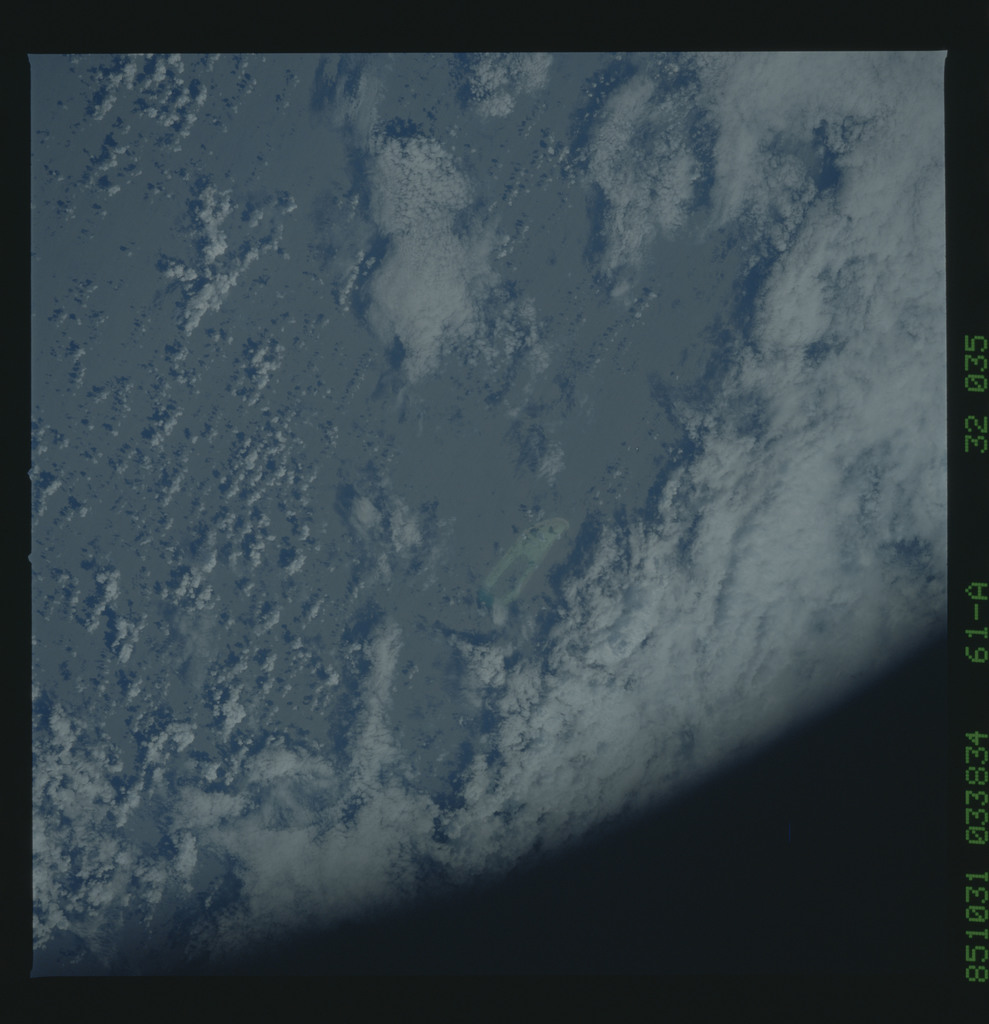 61A-32-035 - STS-61A - STS-61A earth observations