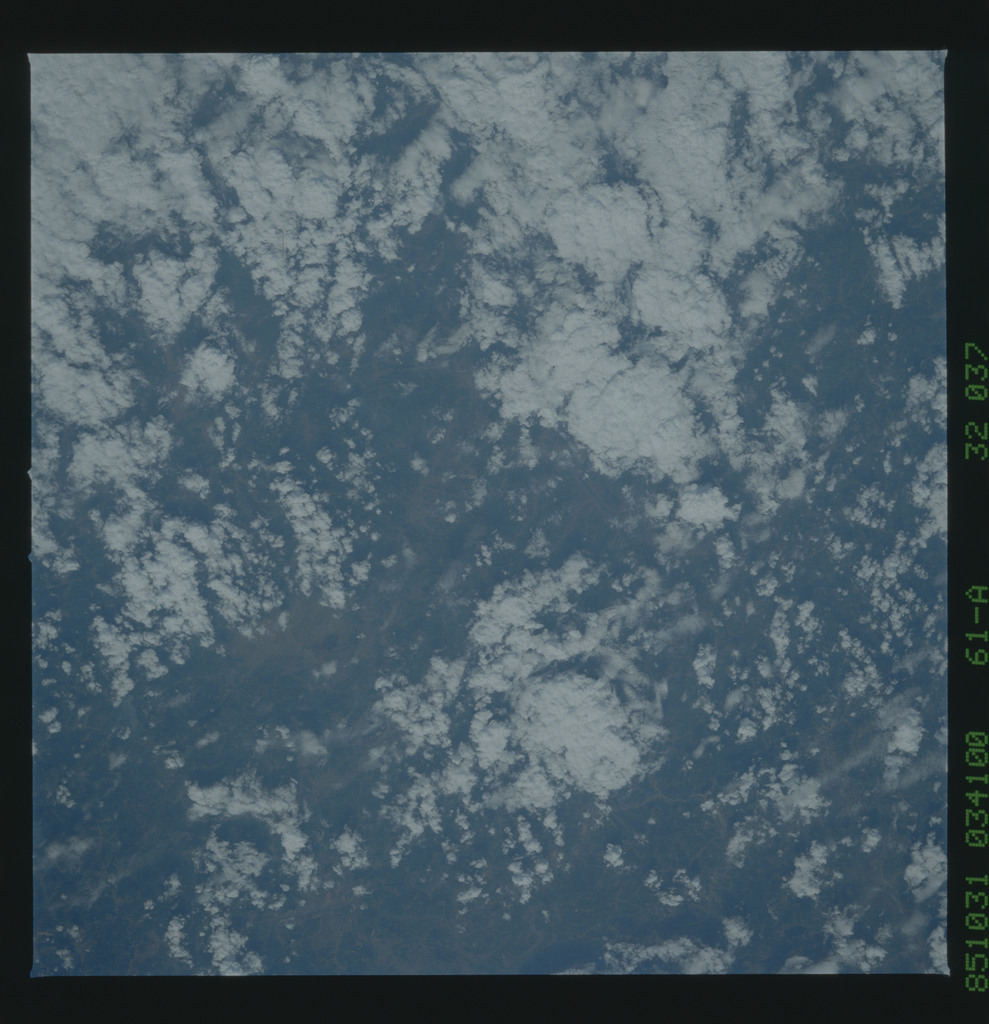 61A-32-037 - STS-61A - STS-61A earth observations