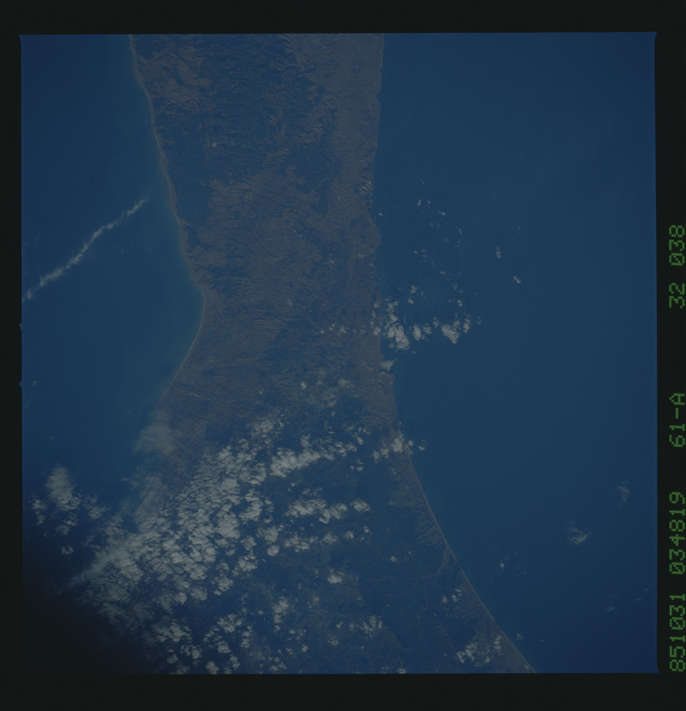 61A-32-038 - STS-61A - STS-61A earth observations