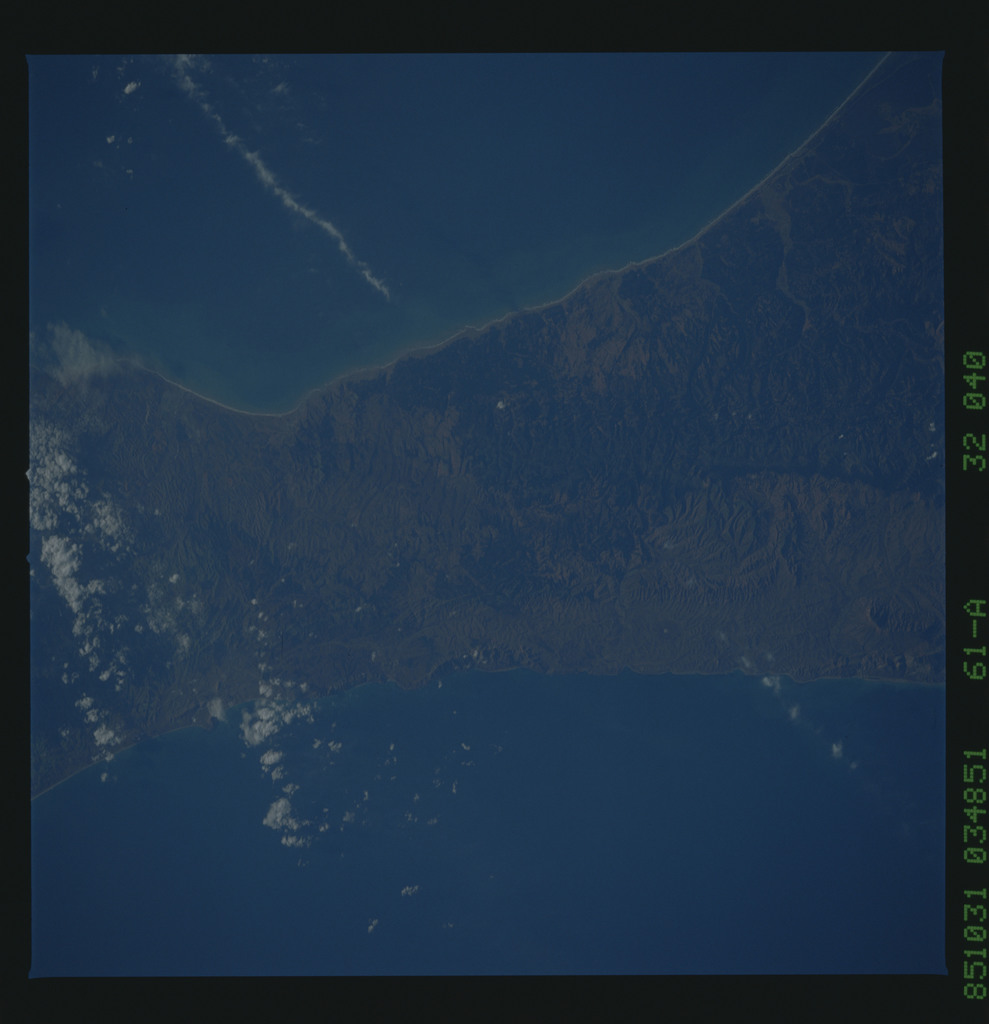 61A-32-040 - STS-61A - STS-61A earth observations