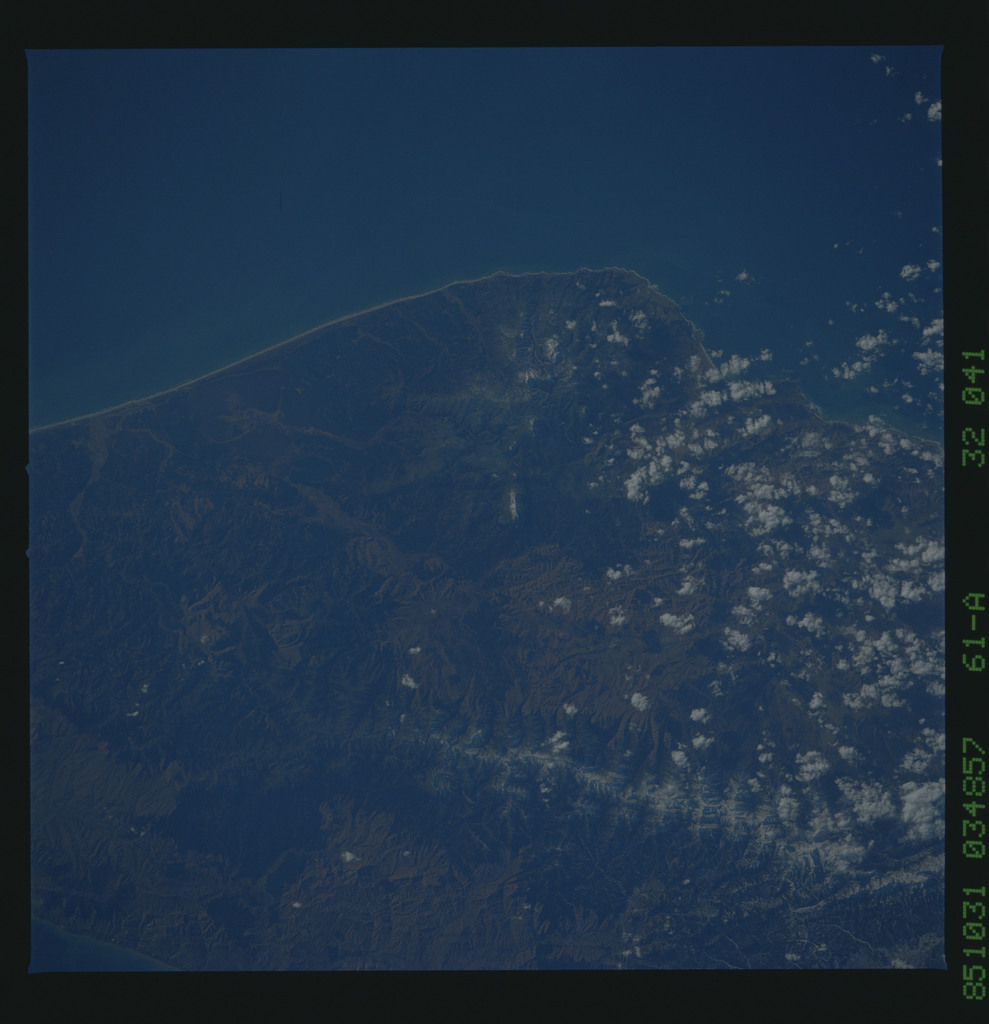 61A-32-041 - STS-61A - STS-61A earth observations