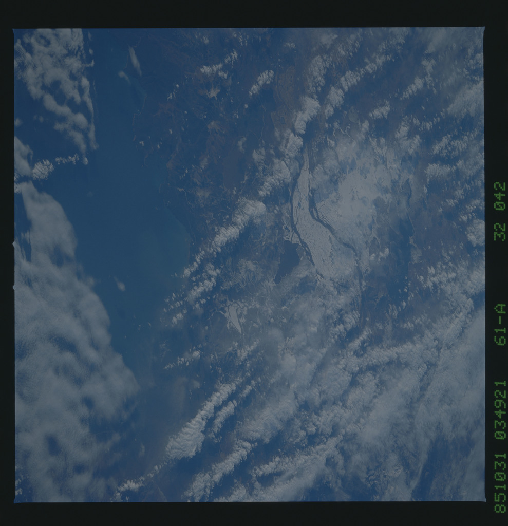 61A-32-042 - STS-61A - STS-61A earth observations