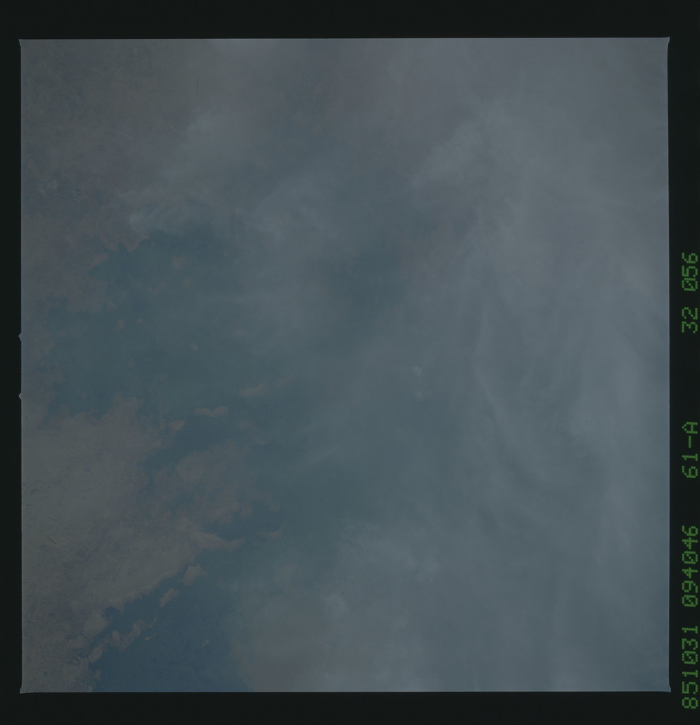 61A-32-056 - STS-61A - STS-61A earth observations