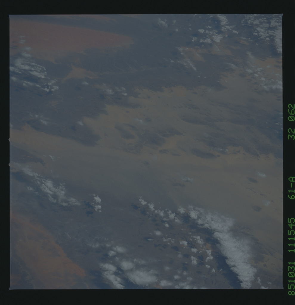 61A-32-062 - STS-61A - STS-61A earth observations