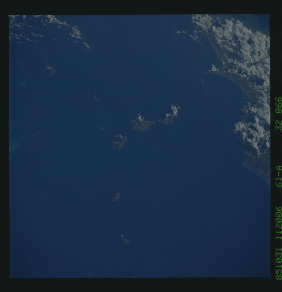 61A-32-066 - STS-61A - STS-61A earth observations