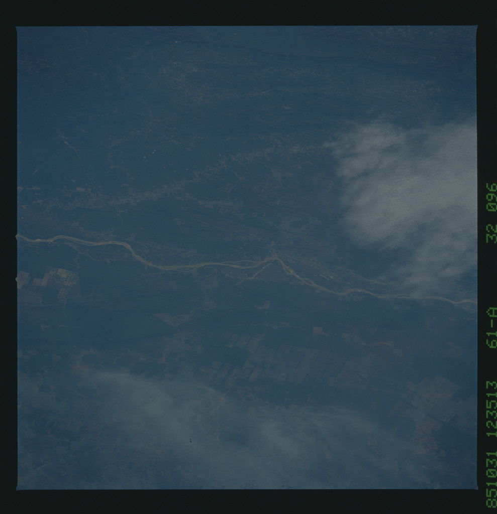61A-32-096 - STS-61A - STS-61A earth observations