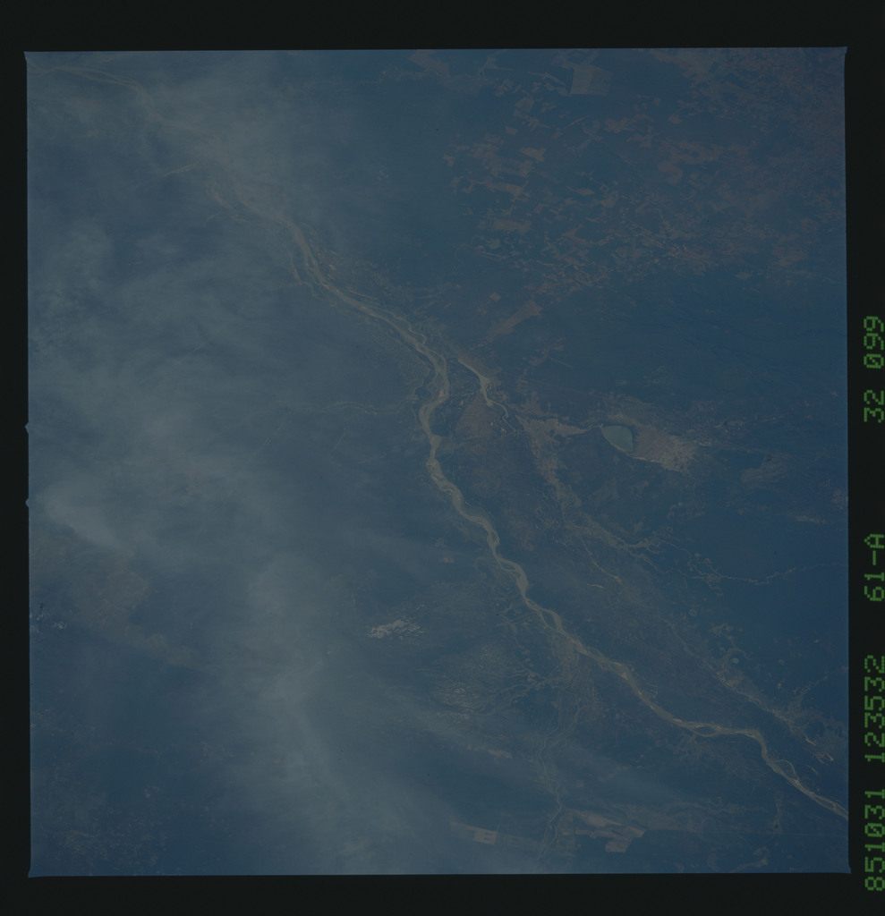 61A-32-099 - STS-61A - STS-61A earth observations