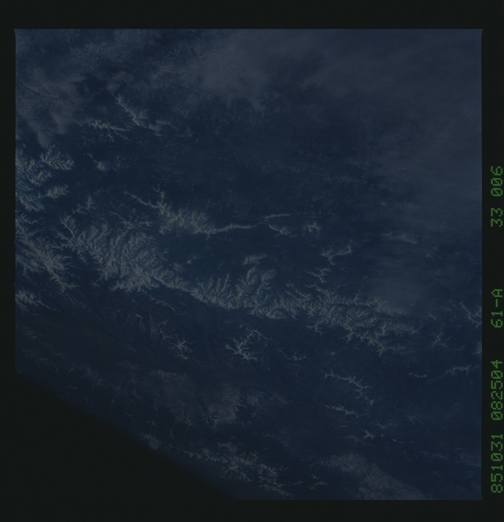 61A-33-006 - STS-61A - STS-61A earth observations