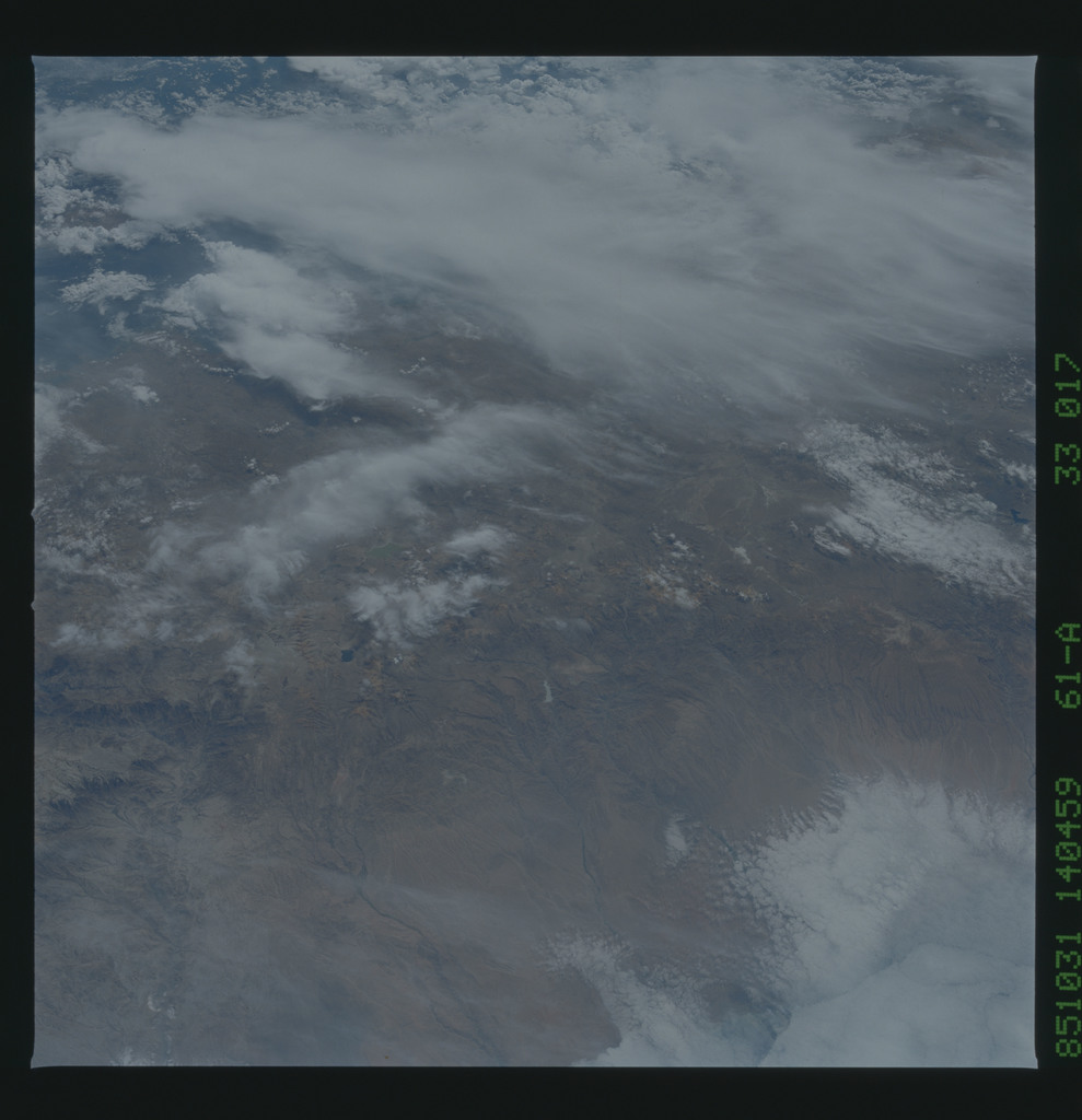 61A-33-017 - STS-61A - STS-61A earth observations