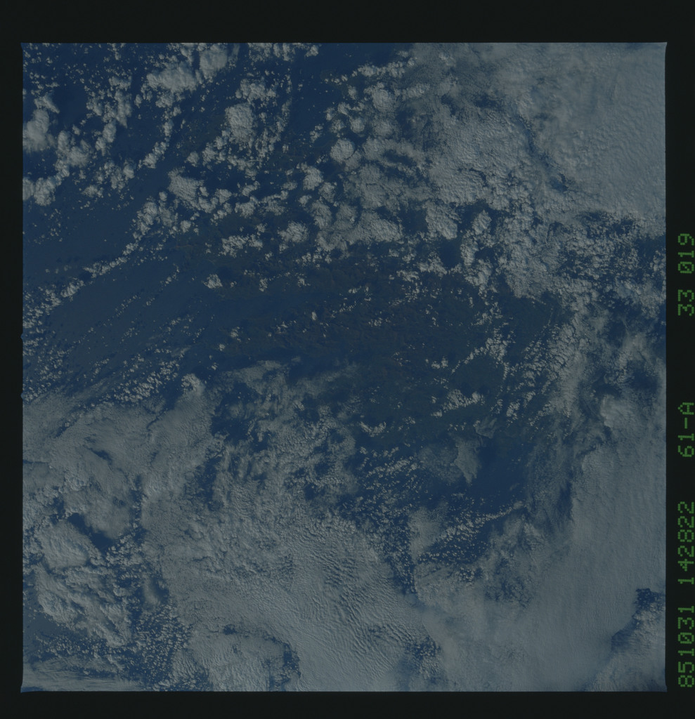 61A-33-019 - STS-61A - STS-61A earth observations