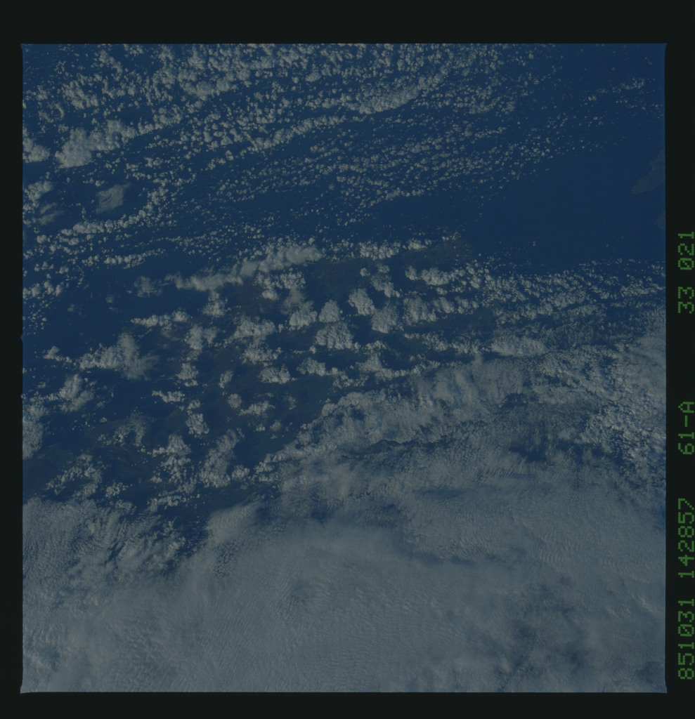 61A-33-021 - STS-61A - STS-61A earth observations