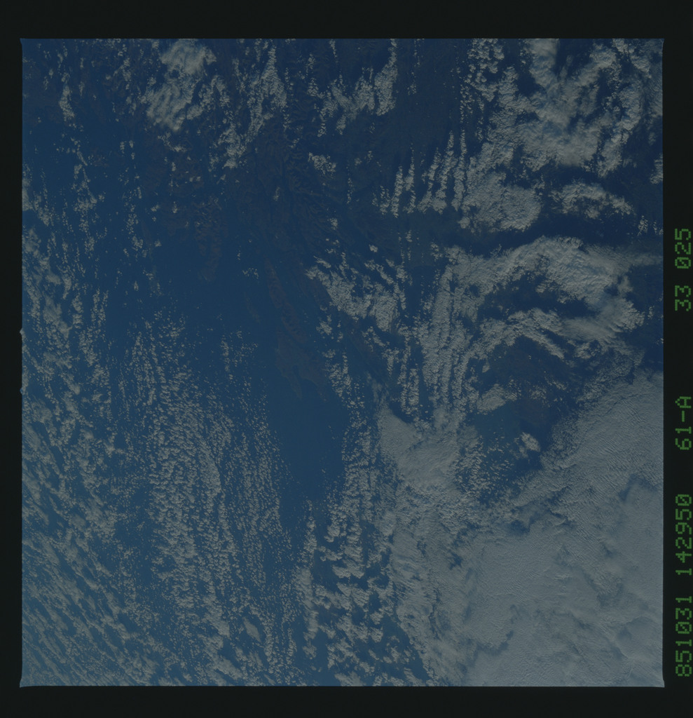 61A-33-025 - STS-61A - STS-61A earth observations