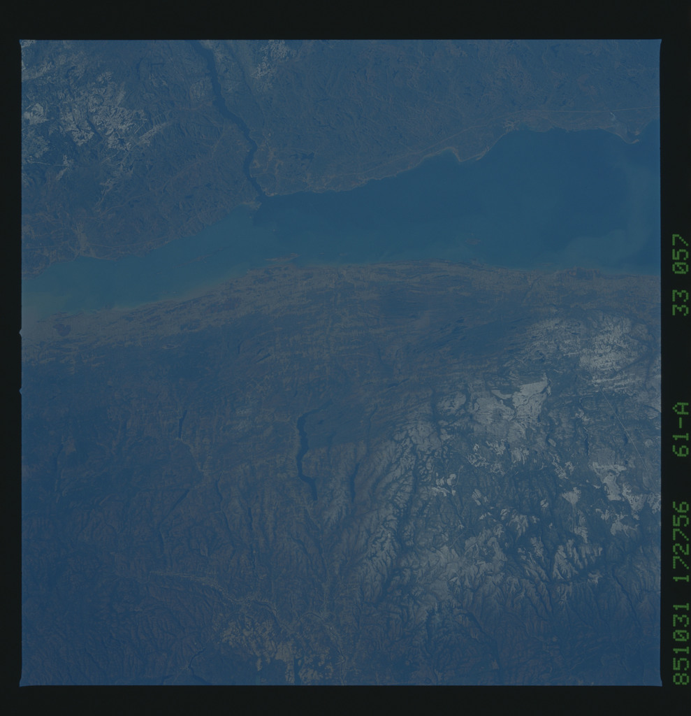 61A-33-057 - STS-61A - STS-61A earth observations