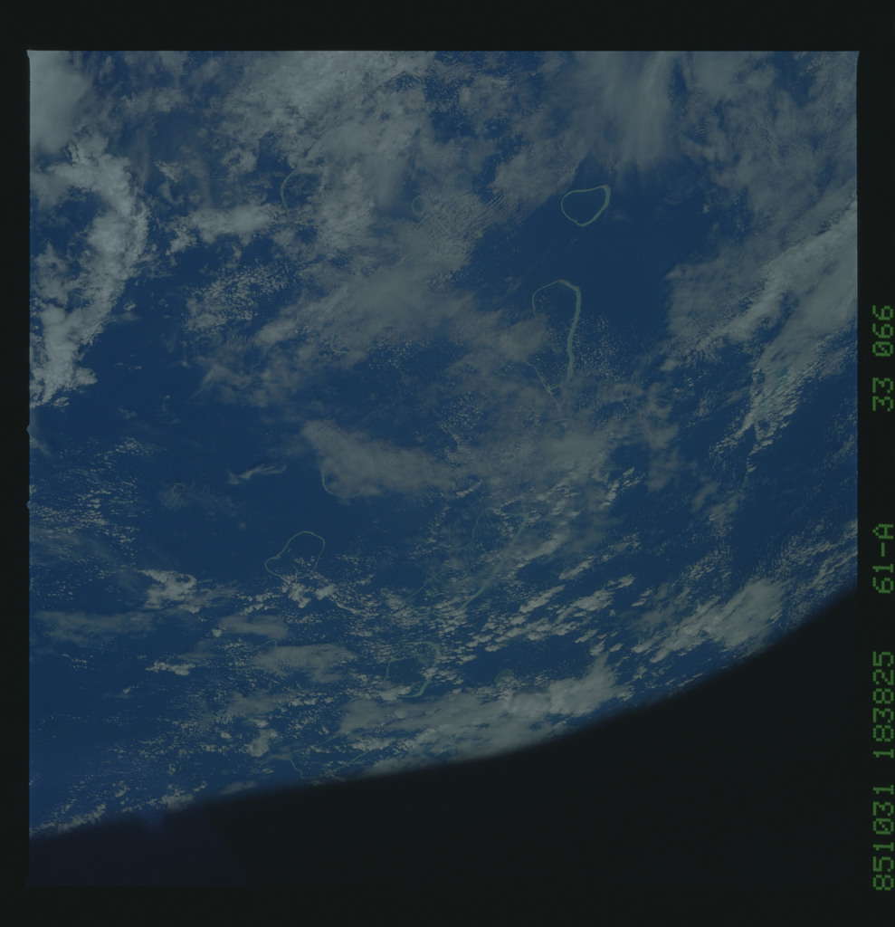 61A-33-066 - STS-61A - STS-61A earth observations