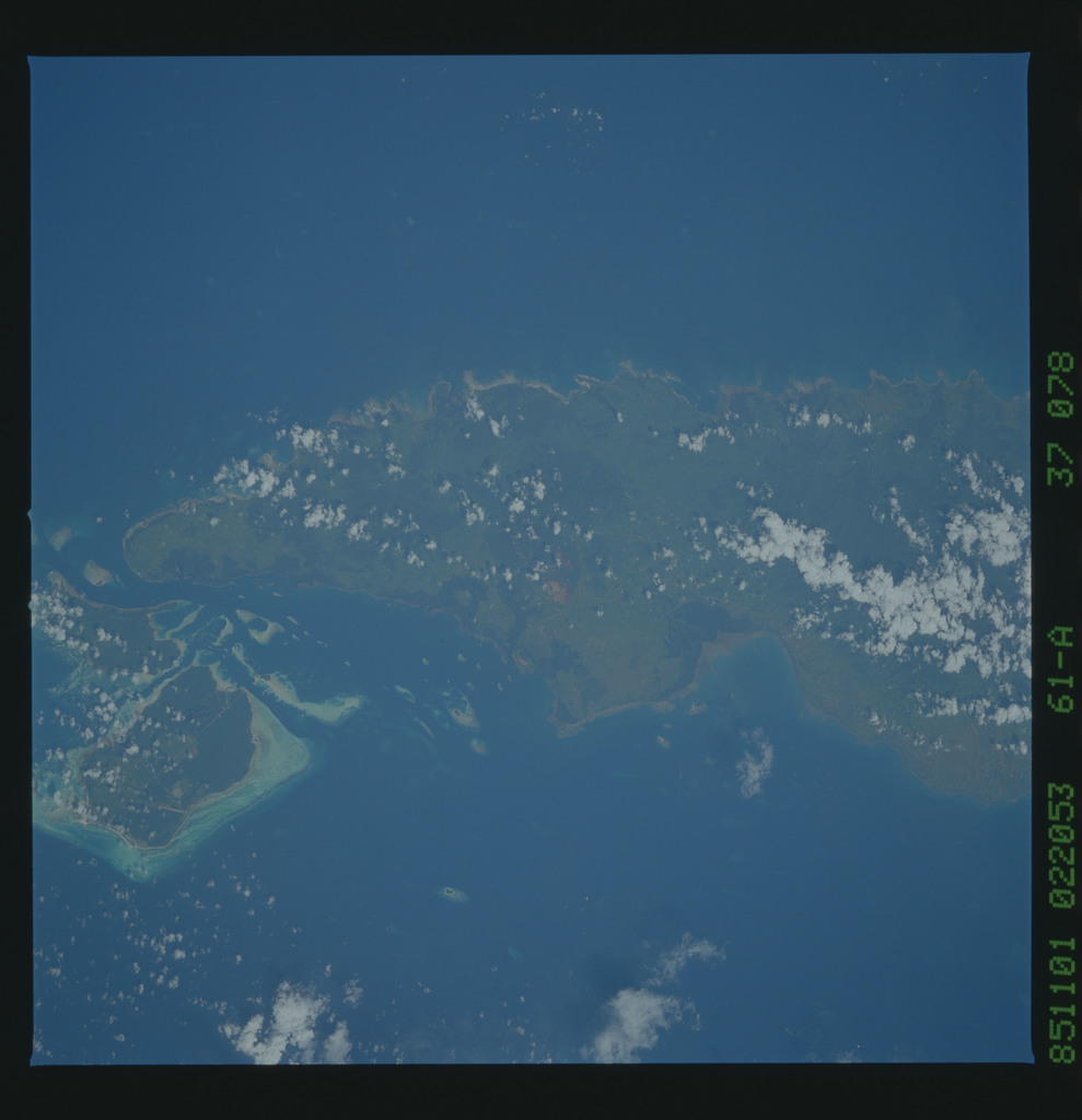 61A-37-078 - STS-61A - STS-61A earth observations