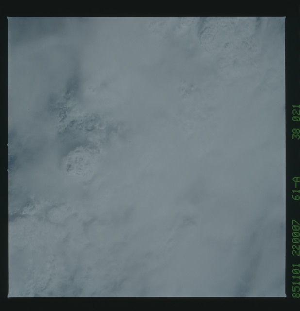 61A-38-021 - STS-61A - STS-61A earth observations
