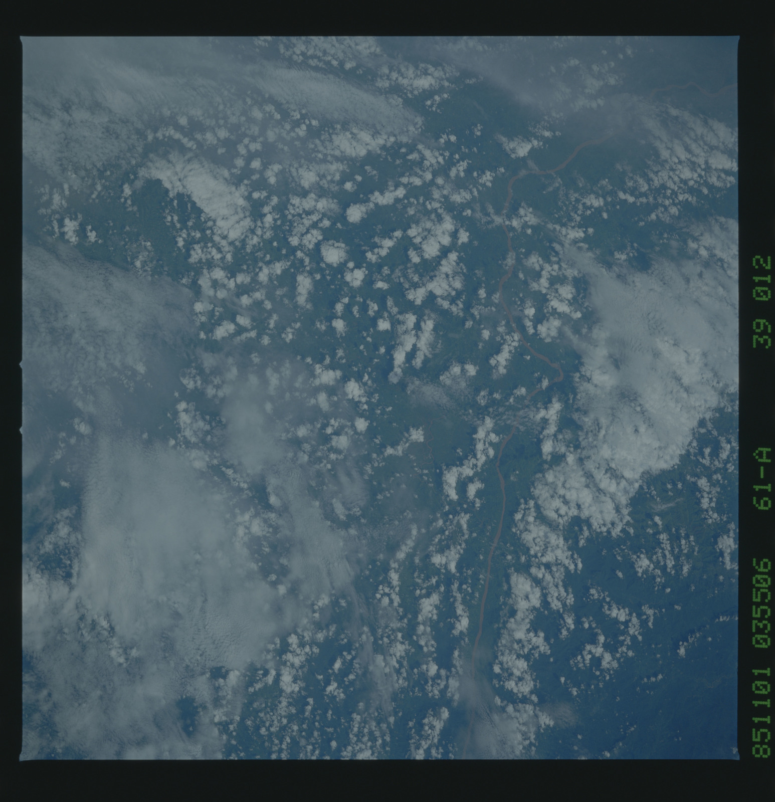 61A-39-012 - STS-61A - STS-61A earth observations