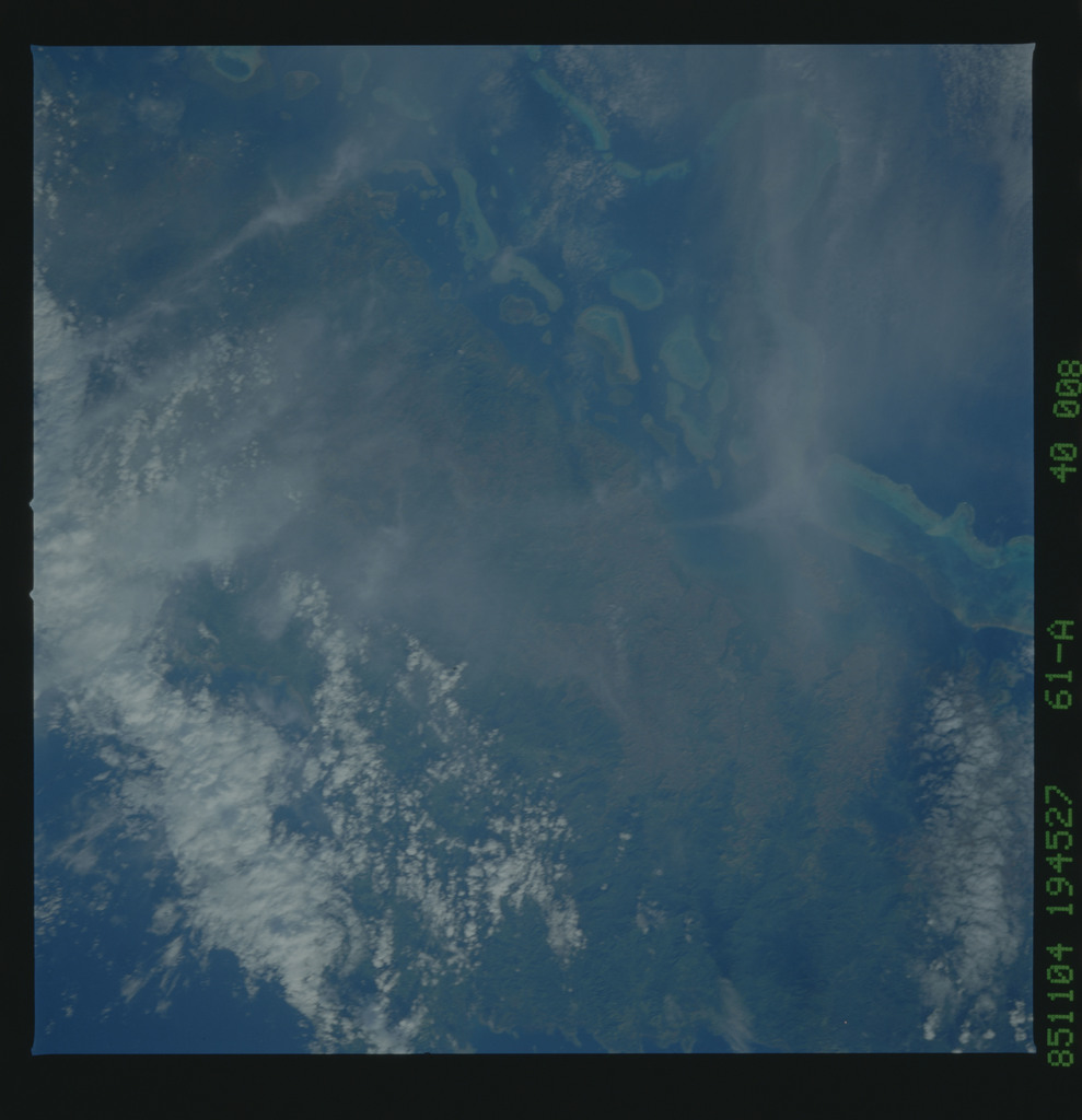 61A-40-008 - STS-61A - STS-61A earth observations