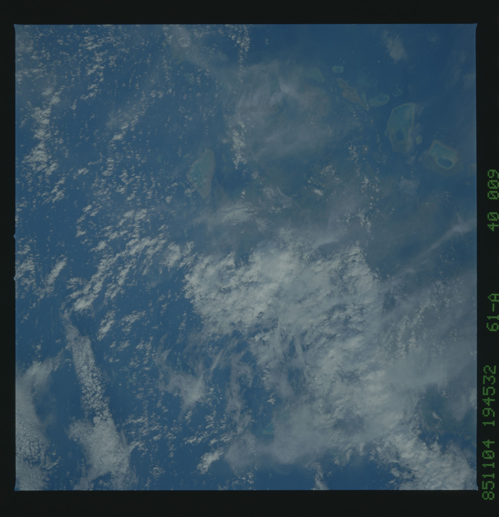 61A-40-009 - STS-61A - STS-61A earth observations