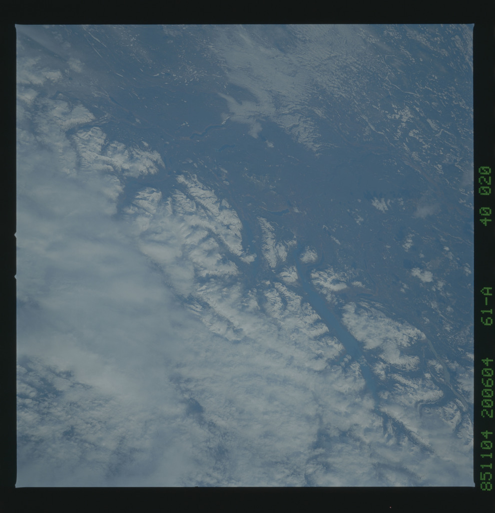61A-40-020 - STS-61A - STS-61A earth observations