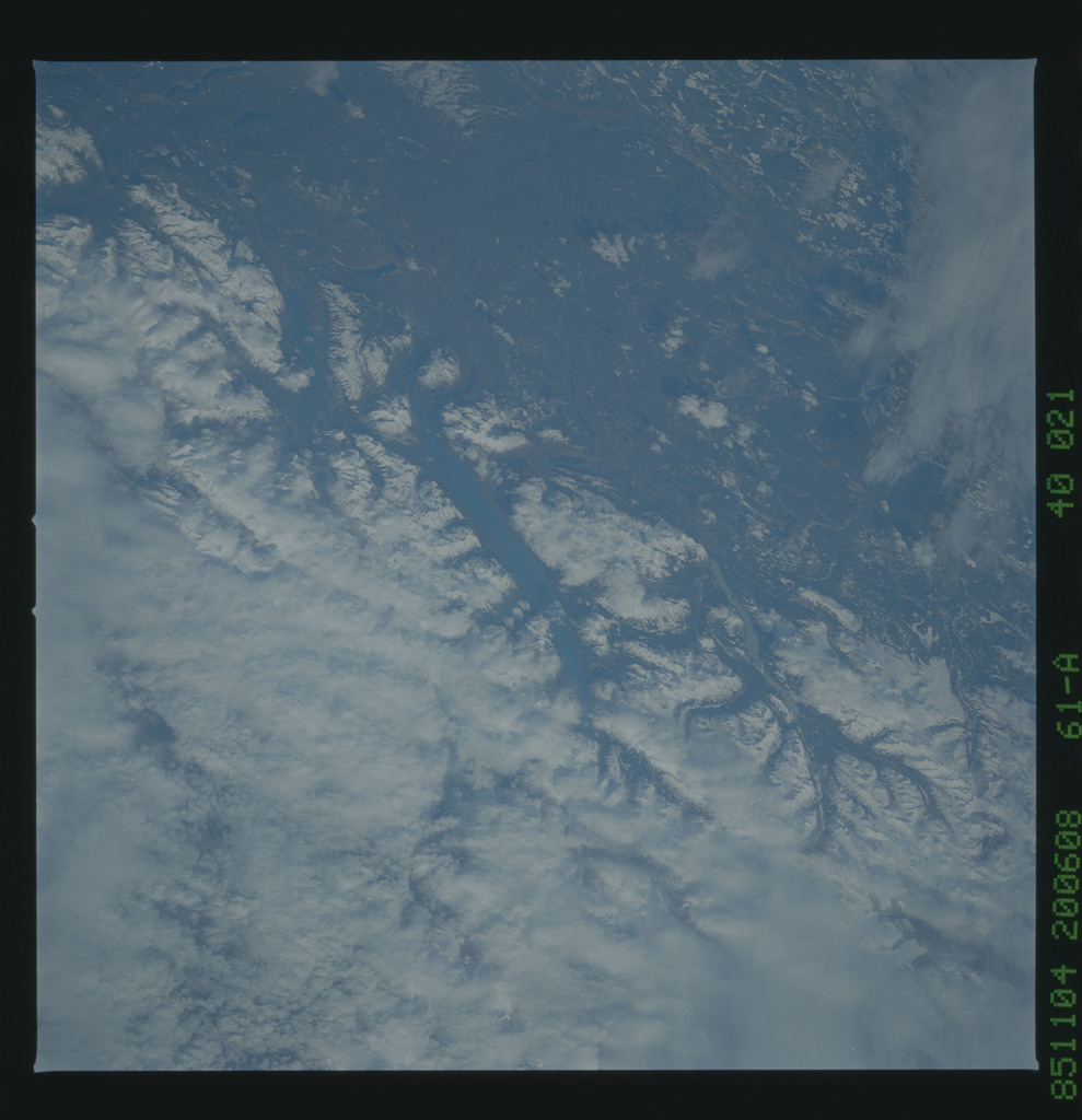 61A-40-021 - STS-61A - STS-61A earth observations