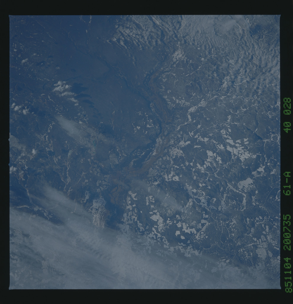 61A-40-028 - STS-61A - STS-61A earth observations