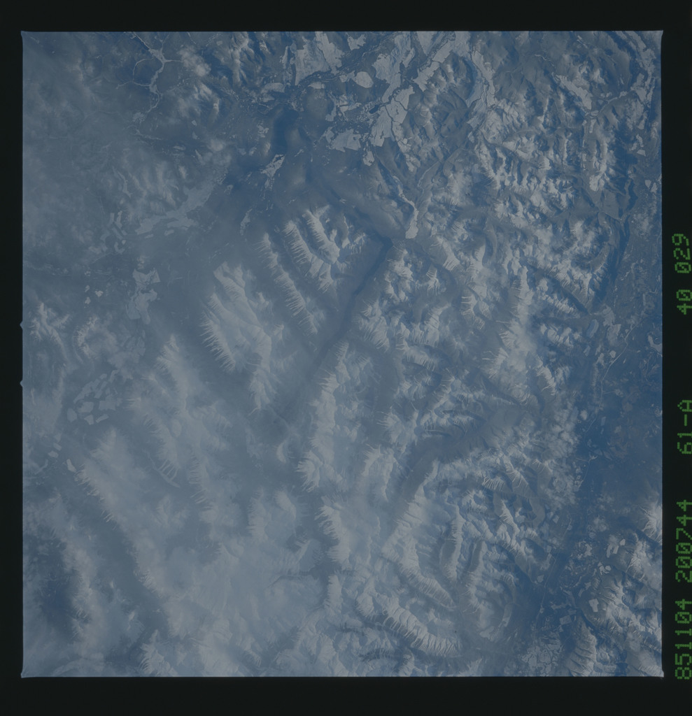 61A-40-029 - STS-61A - STS-61A earth observations