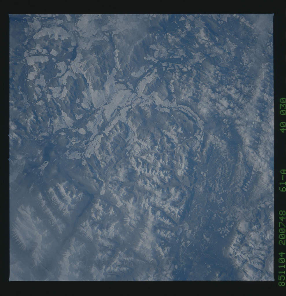 61A-40-030 - STS-61A - STS-61A earth observations