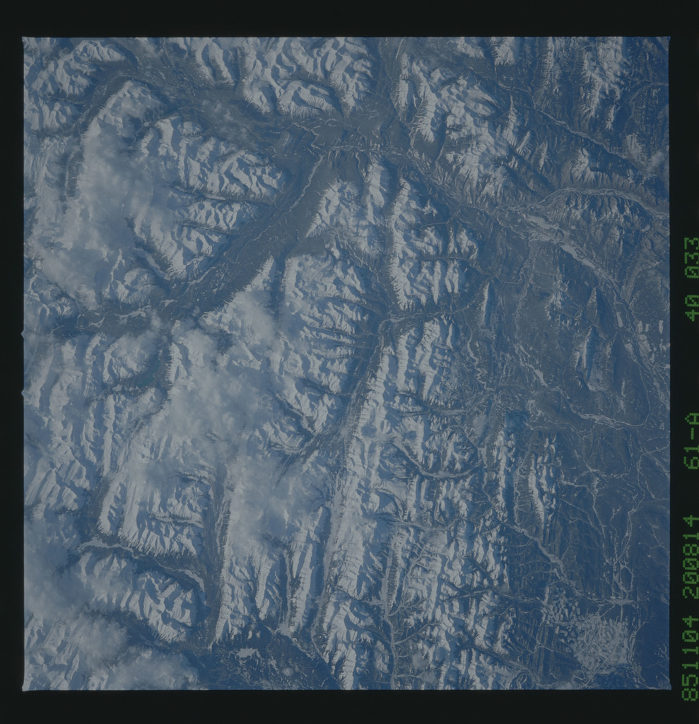61A-40-033 - STS-61A - STS-61A earth observations