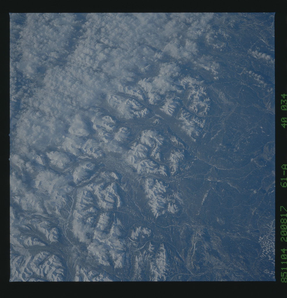 61A-40-034 - STS-61A - STS-61A earth observations