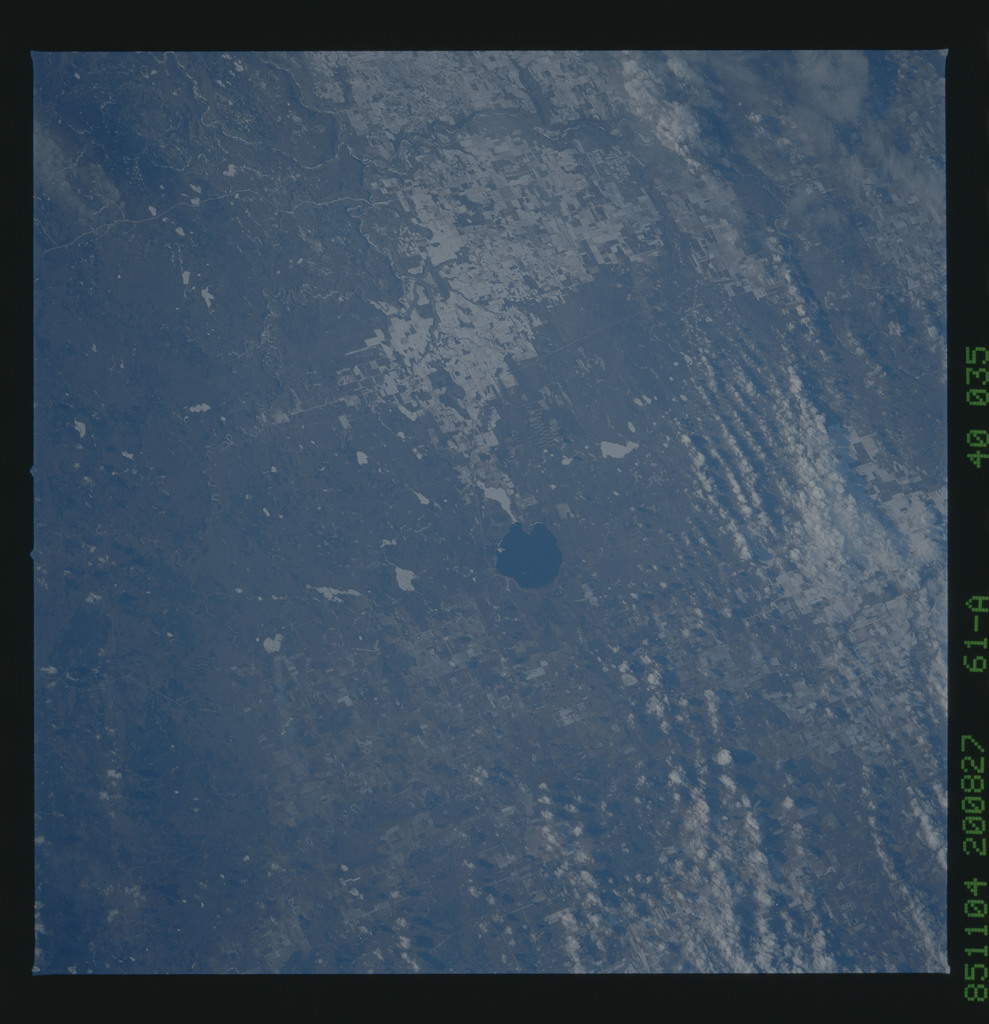 61A-40-035 - STS-61A - STS-61A earth observations