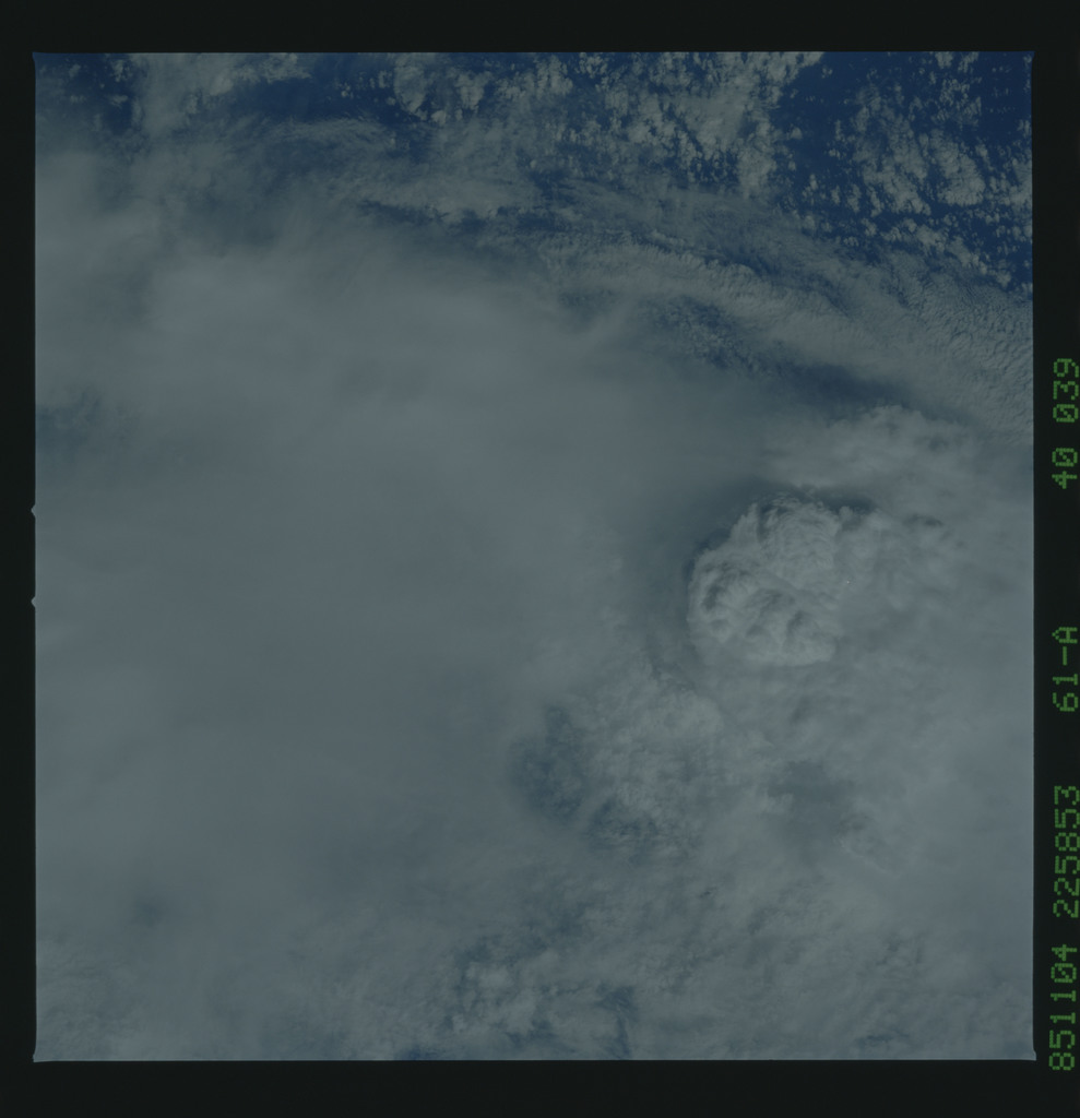 61A-40-039 - STS-61A - STS-61A earth observations