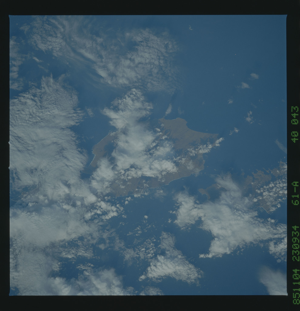 61A-40-043 - STS-61A - STS-61A earth observations
