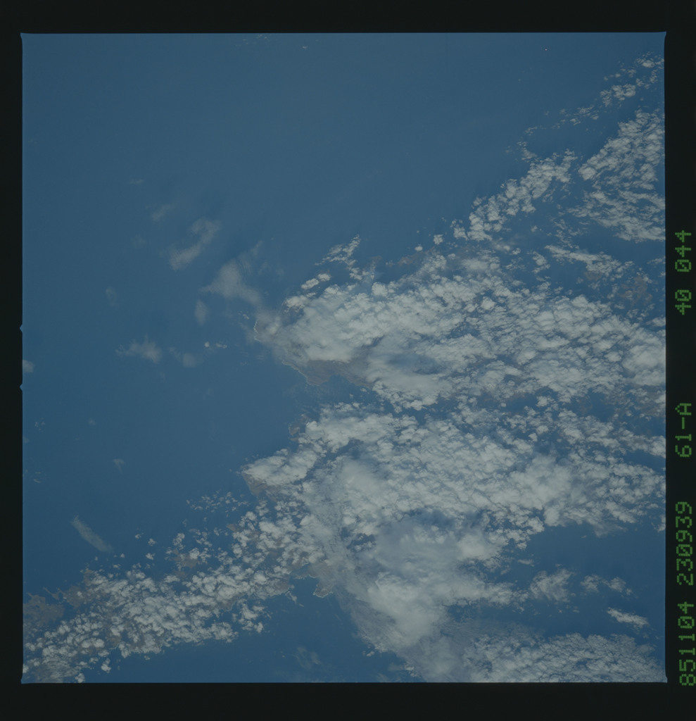 61A-40-044 - STS-61A - STS-61A earth observations