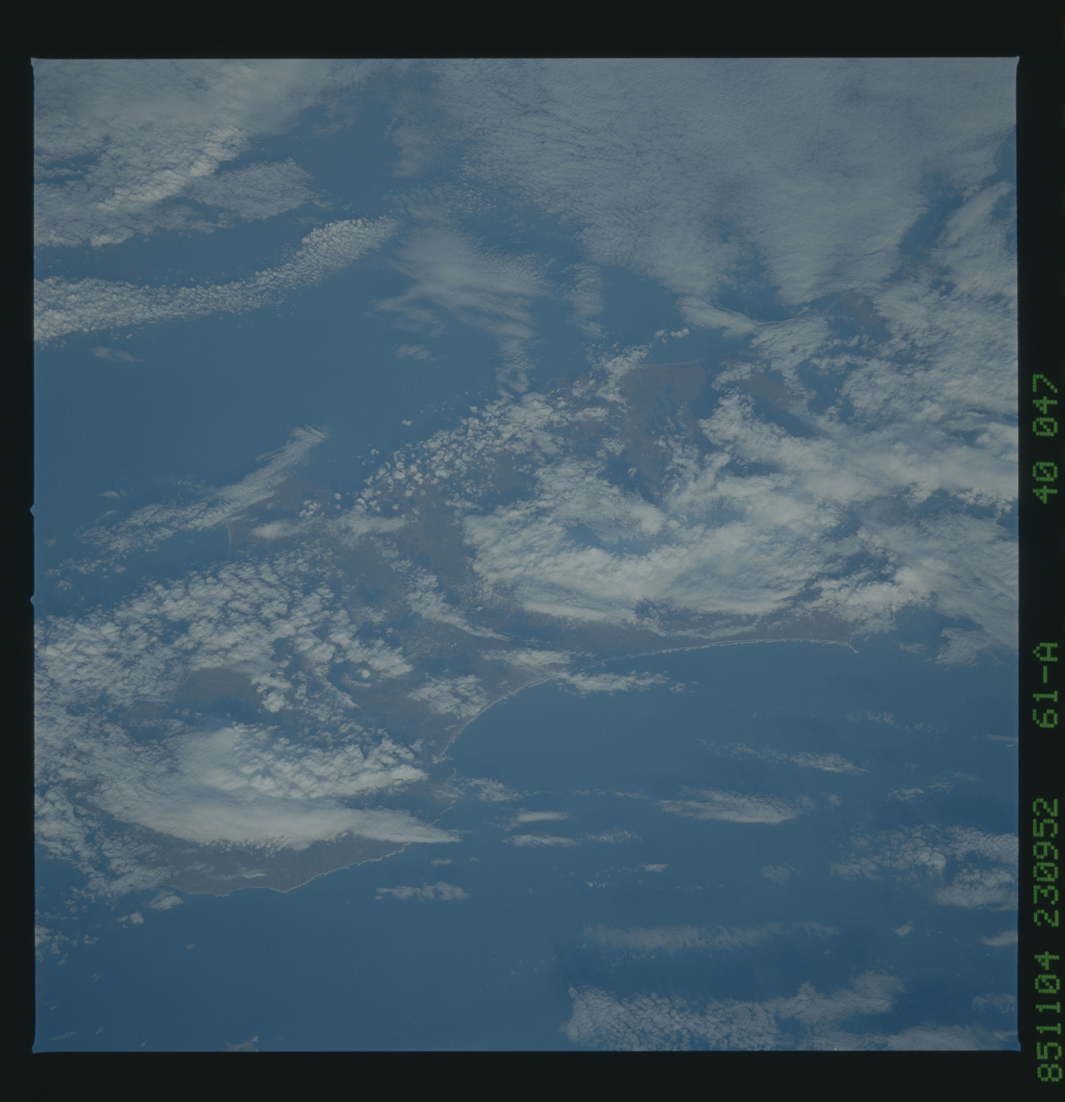 61A-40-047 - STS-61A - STS-61A earth observations