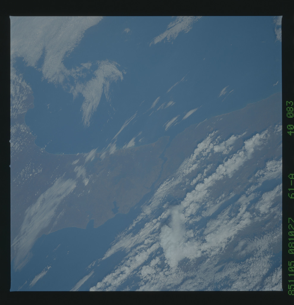 61A-40-083 - STS-61A - STS-61A earth observations