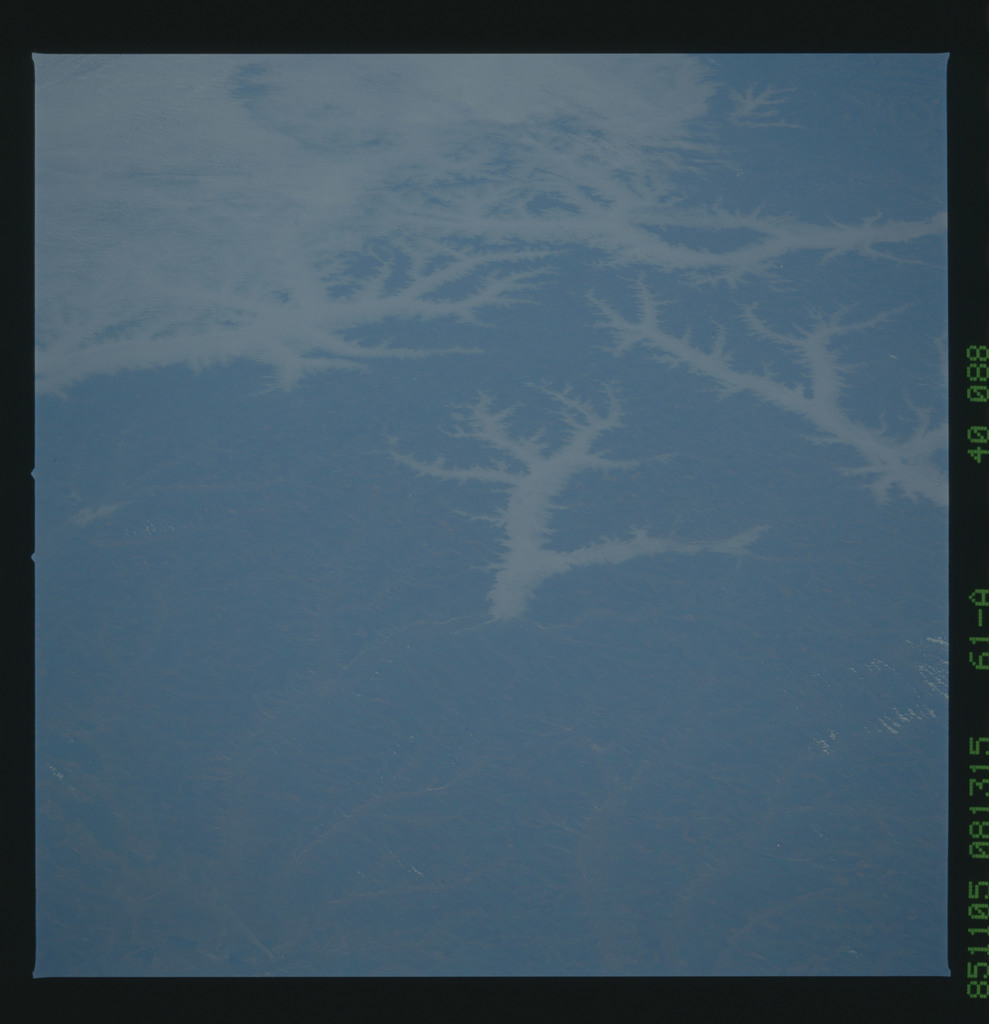 61A-40-088 - STS-61A - STS-61A earth observations